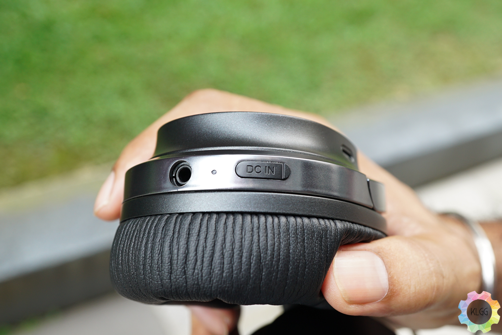 Edifier W860NB Review: Stepping Stone into the world of Active Noise Cancelling 4
