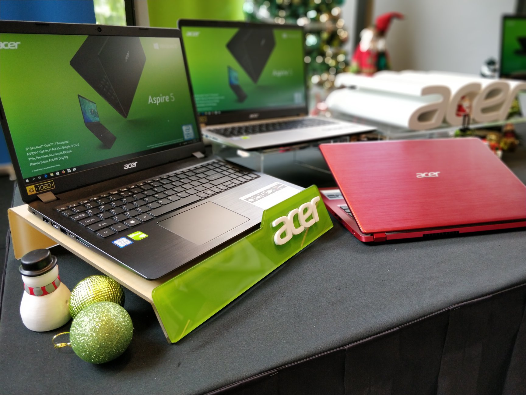 Acer ends 2018 with the 15.6-inch Swift 5 preview and launch of desktop, monitors and laptops 3