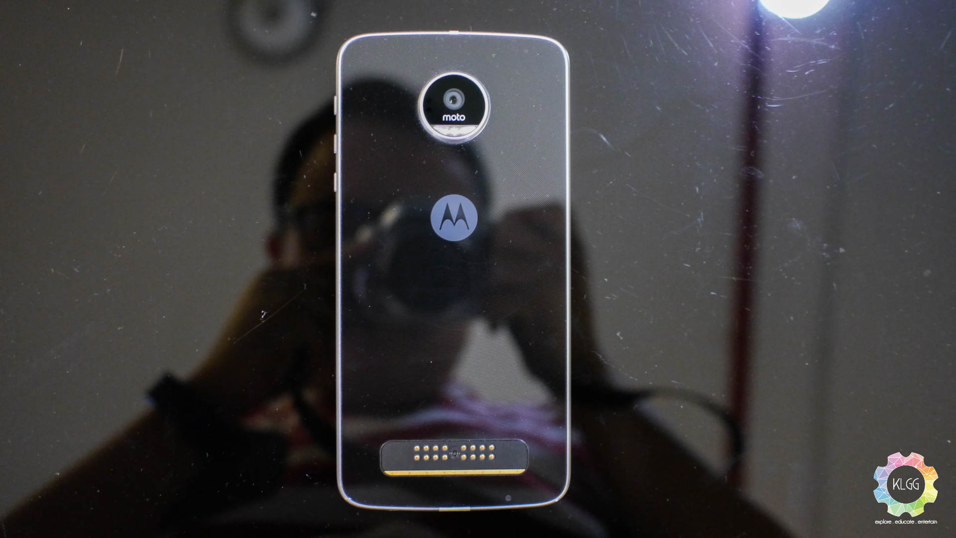 Moto Z Play Review: A role model for the HTC U Play 1